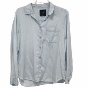 Lightweight American Eagle button down shirt